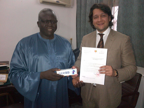 FLEXISEQ for Hajj Pilgrims - Pro Bono Bio™ Humanitarian Donation Dakar/London 11th June 2012
